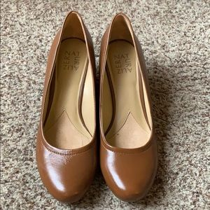 Naturalizer leather wedges worn once